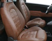 Fiat 500 Abarth Nappa Bruin en Alcantara Amber