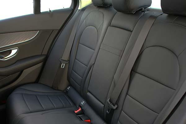 Mercedes C Klasse Buffalino Leder Zwart Wit stiksel Achterbank