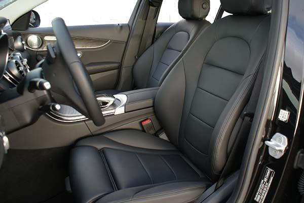 Mercedes C Klasse Buffalino Leder Zwart Wit stiksel Voorstoelen