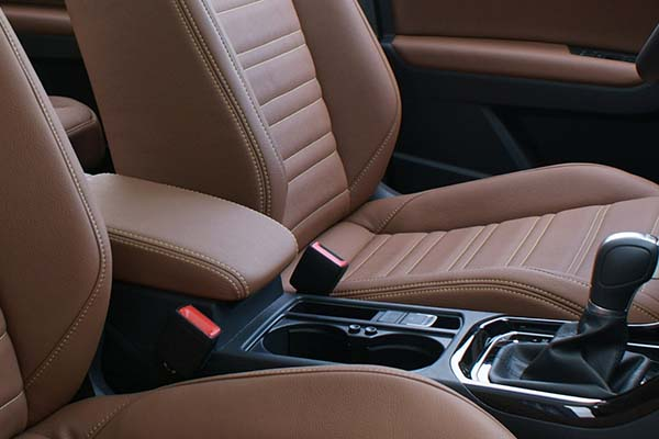 Volkswagen Touran Alba eco-leather Kaneelbruin Detail