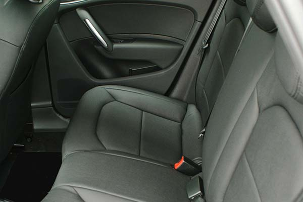 Audi A1 Alba eco-leather zwart Achterbank