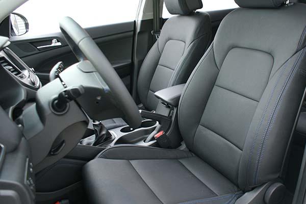 Hyundai Tucson Alba eco-leather Zwart Blauw Stiksel