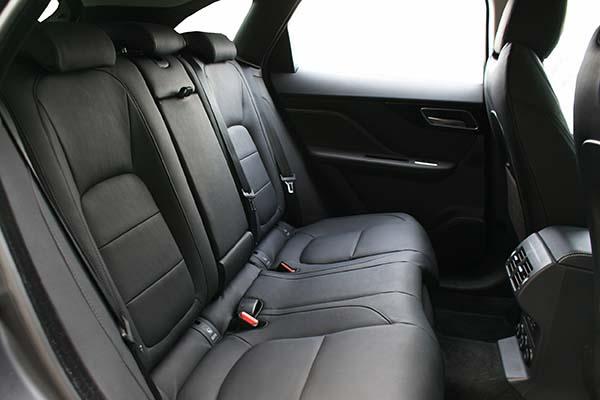 Jaguar F-Pace Buffalino Leder Zwart Achterbank