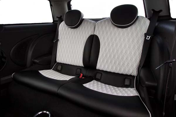 MINI Cooper Alba eco-leather Zwart Wit Dubbel Diamond Stiksel Borduren Logo Achterbank