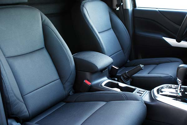 Nissan Navara Alba eco-leather Zwart