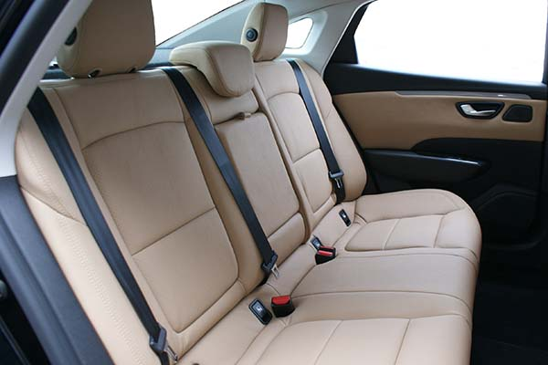 Renault Talisman Alba eco-leather Beige Geperforeerd Achterbank