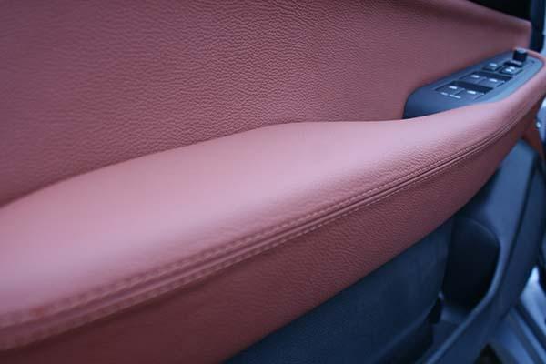 Subaru Outback Buffalino Leder Mustangbruin Deurpaneel