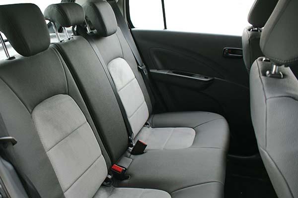 Suzuki Celerio Alba eco-leather Grijs Suede Achterbank