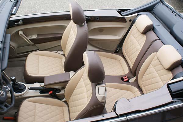 VW Beetle Cabrio Buffalino Chocoladebruin Beige Diamond Stiksel Overzicht