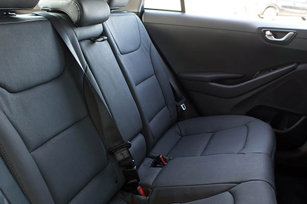 Hyundai Ioniq Alba eco-leather Zwart Achterbank